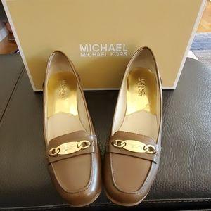 Women office shoe